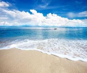 white sand beach on gold coast