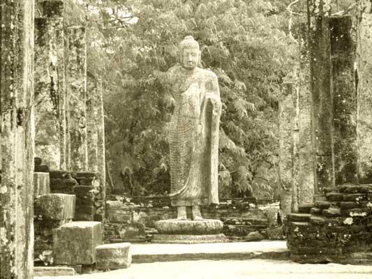 Polonnaruwa Buddhist statues