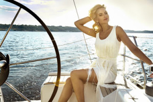 Beauty-girl-on-a-boat