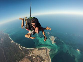 Hamelin-Bay-skydiving