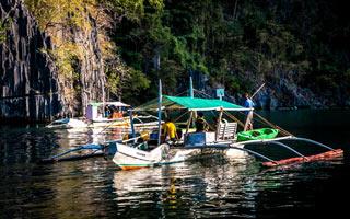 El-Nido-Palawan-rocky-boat-ride