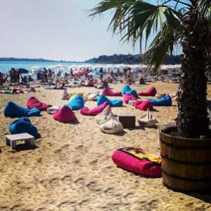 Sunny Beach Greet the sun